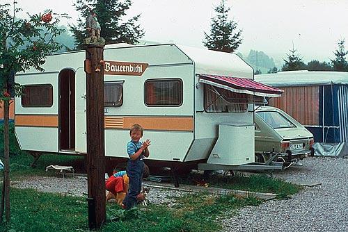 Kindheitserinnerungen an Wohnmobilurlaub am Bannwaldsee.