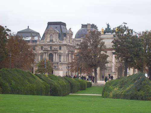 ein winziger Teil vom riesigen Louvre