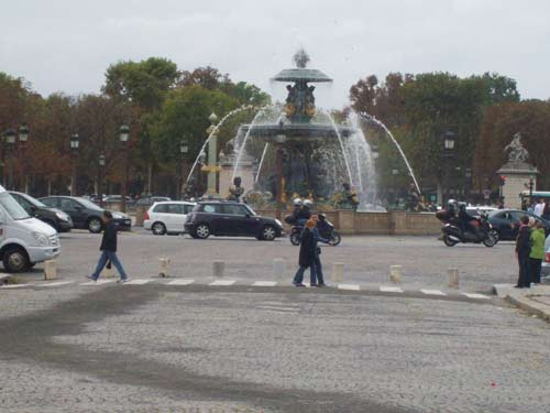 Kreisverkehr am Place de la Concorde