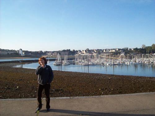 Angekommen. Der Jachthafen im Hintergrund