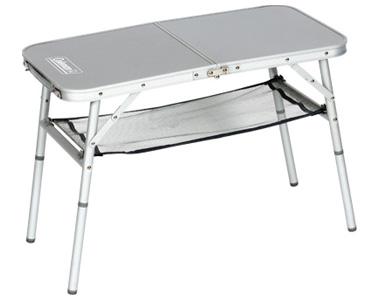 Der Coleman Mini Camping-Tisch in zwei Höhen - perfekt fürs Womo