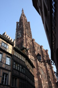 Sieht seltsam aus mit dem einen Turm, oder?