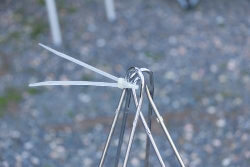 Irgendwie fehlte ein Bauteil, aber Kabelbinder gehen immer