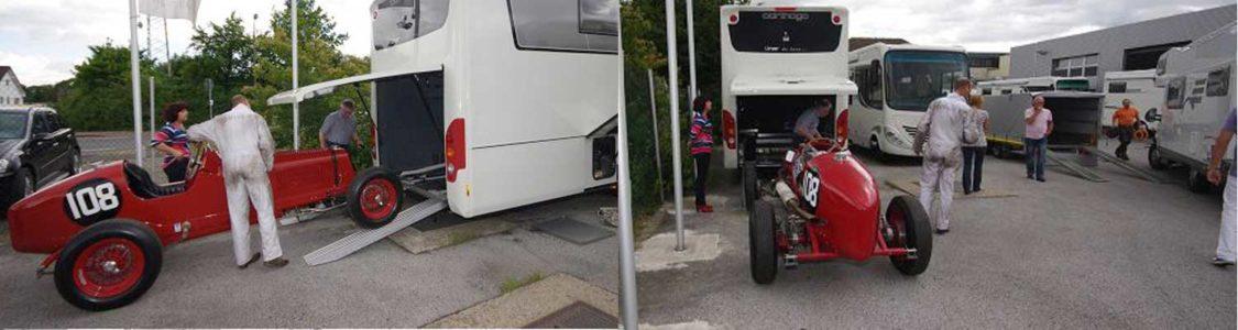 Rennwagen im Reisemobil