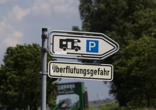 Stellplatz an der Elbfähre, mit Überflutungsgefahr