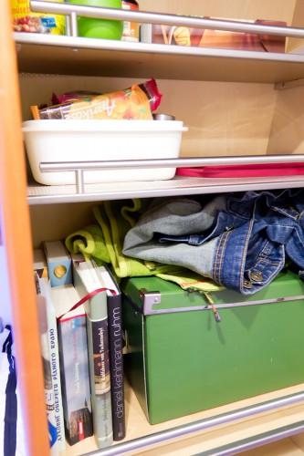 Roman hatte doch recht: Es ist zur Hälfe ein Bücherregal geworden.