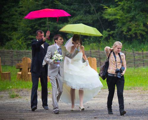 Hochzeitsfotos im galizischen Nieselregen