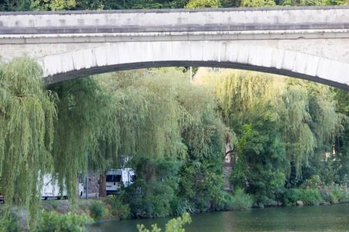 Und unser Platz unter der Brücke.