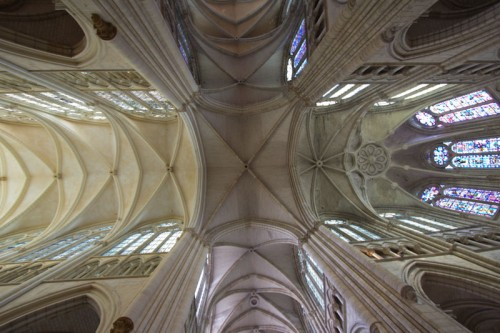 Kreuzgewölbe in St. Étienne