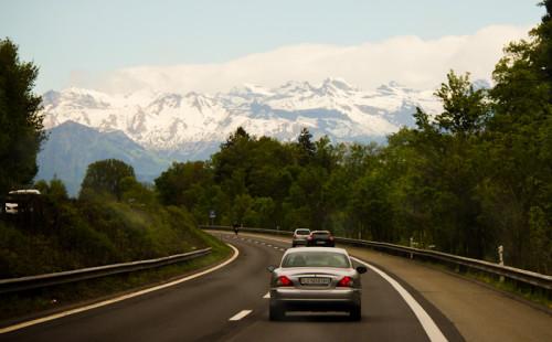 Erster Blick auf die Alpen – immer wieder überraschend.