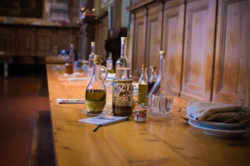 Refektorium, Tisch ist gedeckt.