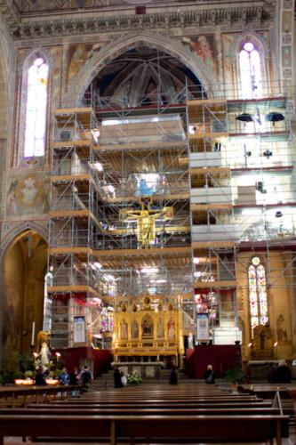 Da sind wir hochgeklettert und standen ganz oben unter der Kuppel! Ab sofort merke ich mir auch die Attribute der Evangelisten.