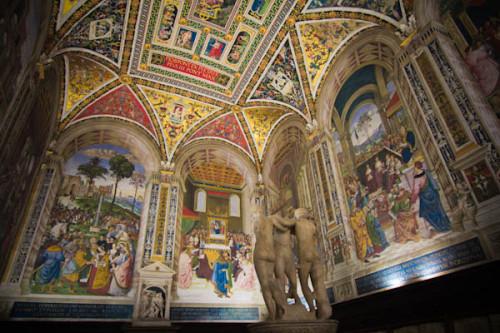In der Piccolimini-Bibliothek