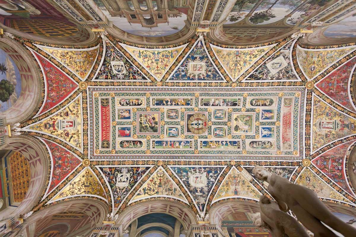 Der Himmel reißt auf: nach Siena
