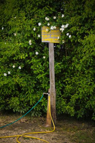 Gelber Schlauch, Chemiklo spülen, grüner Schlauch, Trinkwasser. Oder war's andersherum?