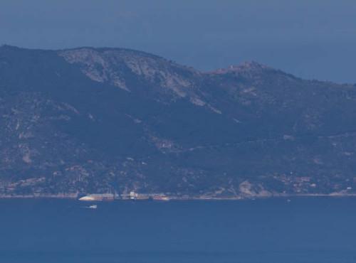 Hier liegt die Costa Concordia