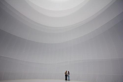 Im Gasometer: Christo hat einen Luftballon eingebaut …