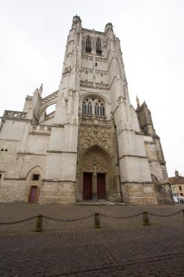 Westseite mit Turm