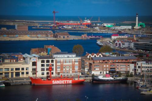 Blick vom Belfried auf den Hafen.