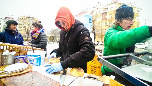 Streetfood im Schneetreiben
