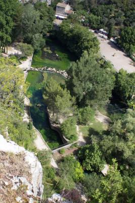 Wohnmobiltour-Provence-Fontaine-de-Vaucluse-7325