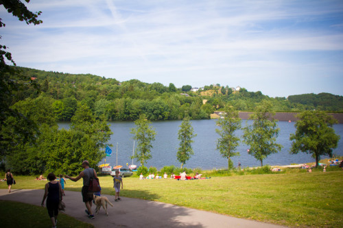 Blick aufs Freibad am See