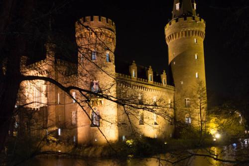 Schloss Moyland am Abend
