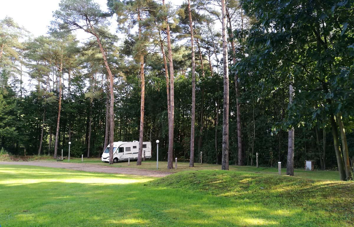 Wohnmobilstellplatz am Camping Salamander in Maasmechelen