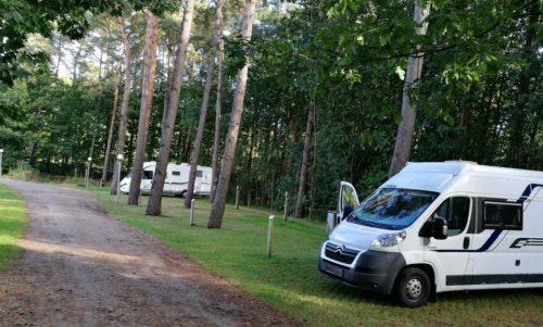 Wohnmobilstellplätze auf dem Campingplatz Salamander