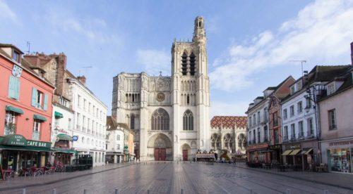 Wohnmobil Kathedrale Sens