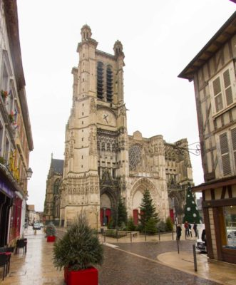 wohnmobil troyes Kathedrale