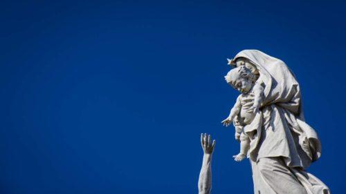 Rettung für Schiffbrüchige durch Madonna
