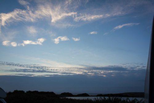 Aber abends kann der Blick mal so sein – Sonnenuntergang überm Meer sollte drin sein.