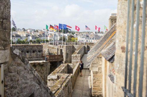 Spaziergang auf der Festungsmauer