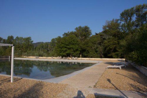 Naturschwimmteich/Pool im Camping La Célestine