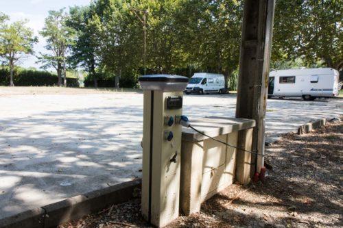 Wohnmobil-Stellplatz Sainte-Tulle bei Manosque – großzügig, mit Strom, Wasser und Entsorgung